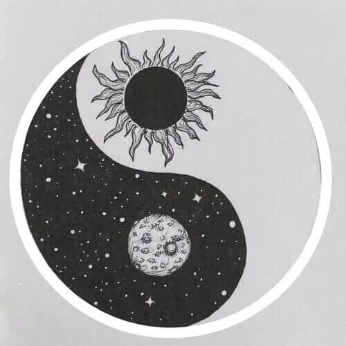Yin und Yang Abbildung künstlerisch gezeichnet mit Sonne und Mond